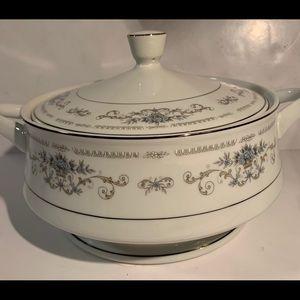 Wade Japan Diane fine China serving bowl w/ lid